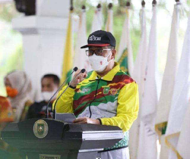 Gubernur Syamsuar Lepas Kontingen Riau ke PON XX Papua