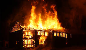 Kobaran Api Menghanguskan Rumah Bahrudin