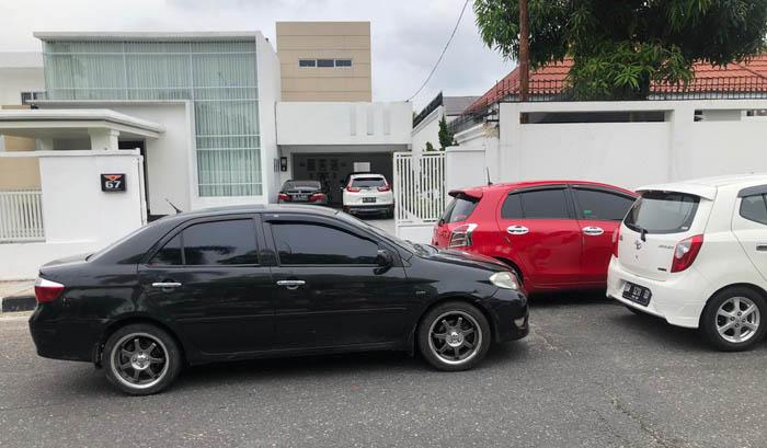 Video Mobil Parkir Tutupi Gerbang Rumah, Oknum Dishub Kampar Malah Ancam Warga